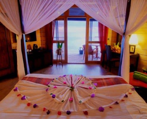 Komandoo Island Resort & Spa Beach Villa Innen