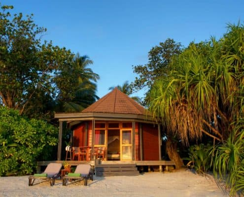 Komandoo Island Resort & Spa Jacuzzi Beach Villa Aussen