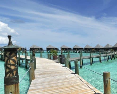 Komandoo Island Resort & Spa Jacuzzi Water Villa Aussen