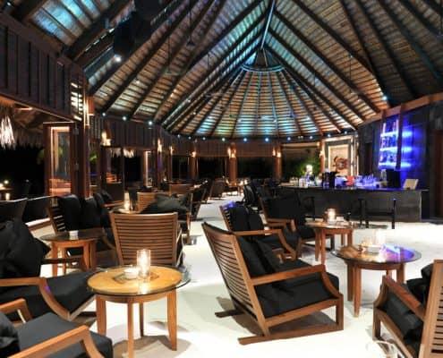 Komandoo Island Resort & Spa Kandu Bar Innenblick