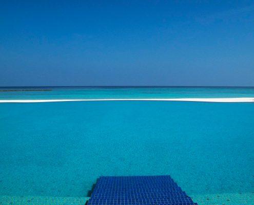 Veligandu Infinity Pool