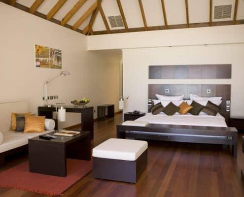 Veligandu Island Resort & Spa Jacuzzi Water Villa